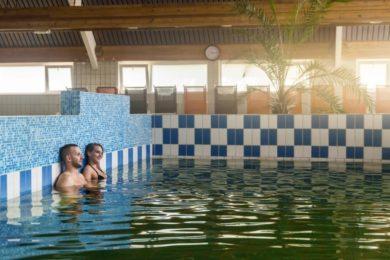 Arthritis Világnap apropóján: szabad-e gyógyfürdőzni?