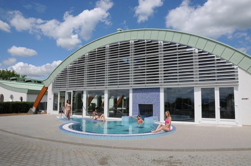 Igali Gyógyfürdő felújított épületrésze