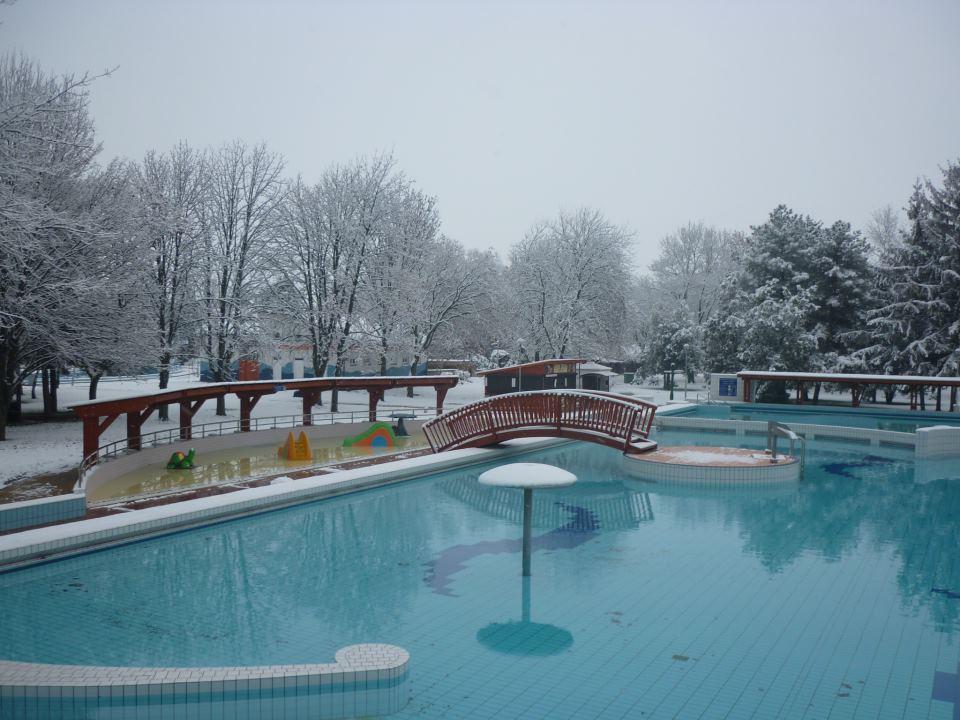 A Zsóry Fürdő télen (Forrás: a fürdő Facebook oldala)