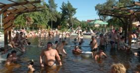 Fürdőbuli Debrecenben