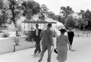 A Széchenyi Gyógyfürdő melletti ivókút - 1937 Fotó: Fortepan