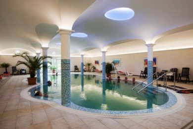 Olcsó fedett fürdők a Dunántúlon