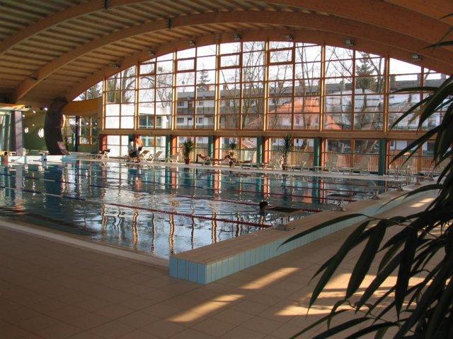 Barcsi Fürdő: az üvegfal belülről