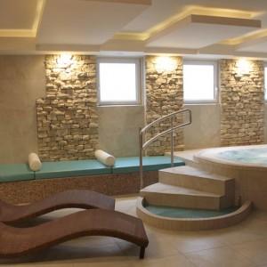 Pihenőágyak a wellness teremben