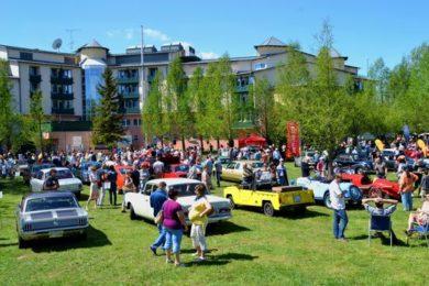 Békeidők és régi autók Hévízen