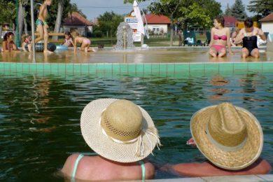 Fürdők 2015-ben: több vendég, kevesebb gyógykezelés