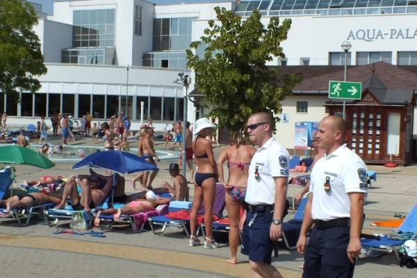 Rendőrök Hajdúszoboszlón