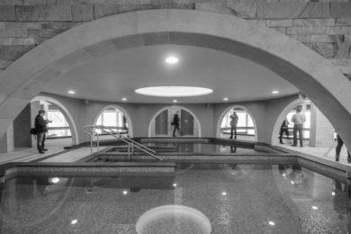 Fürdők: nyugdíjas kedvezmények és esti fürdőzések a héten