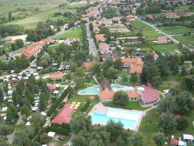 Hegyko Heilbad, Thermalbad