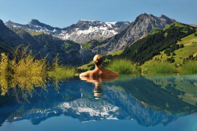 6 elképesztő medence, amit látnod kell