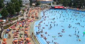 Debreceni és hajdúszoboszlói strandkörkép
