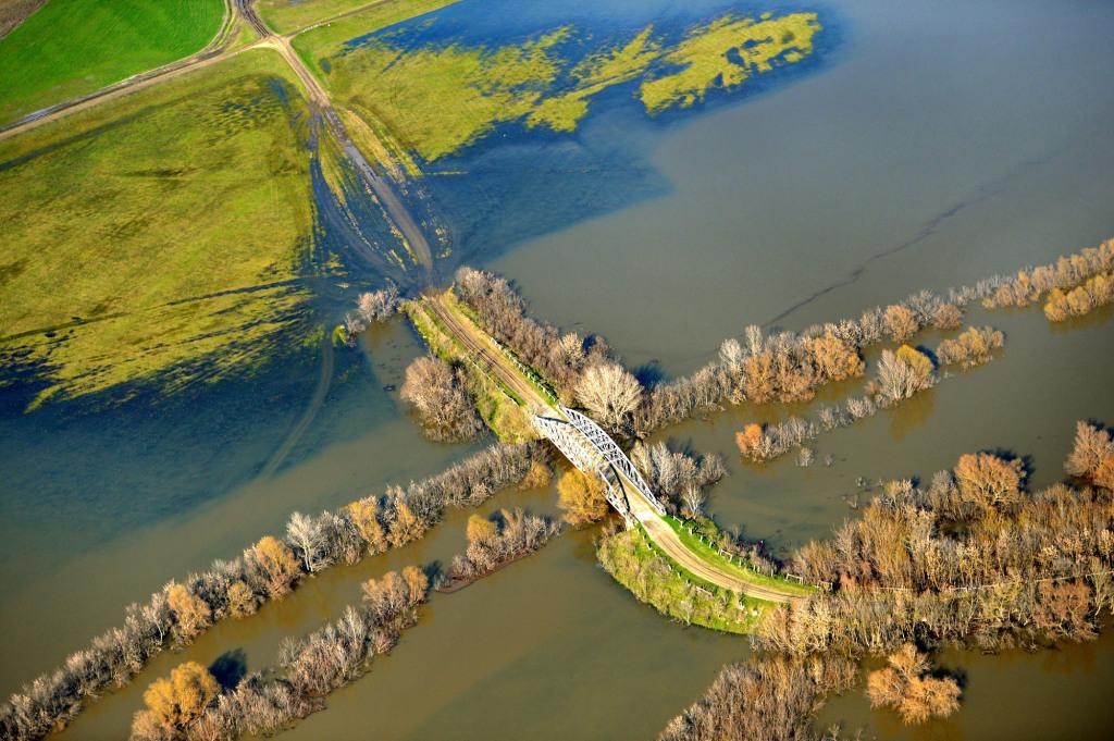 A Zagyva folyó árvíz idején Szolnok határában
