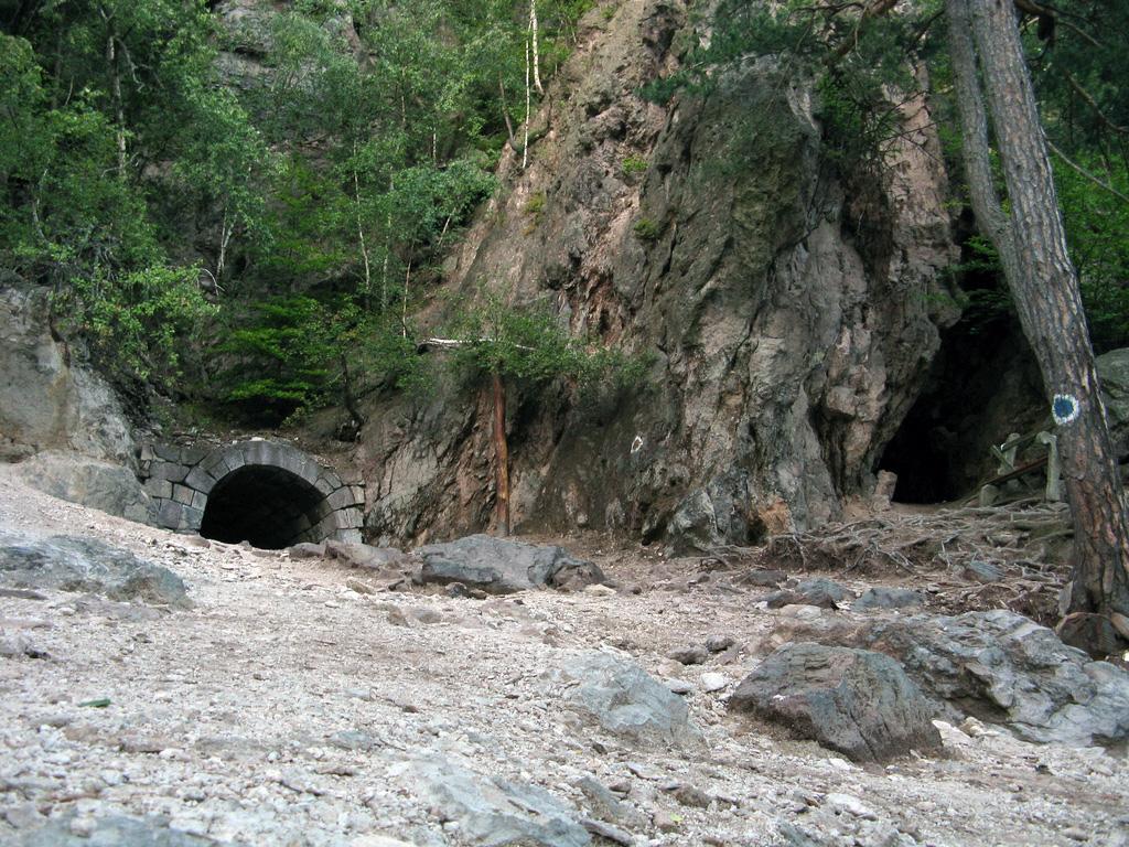 Büdös barlang