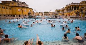 Budapesti fürdők: kivetítőn a foci Eb és az olimpia