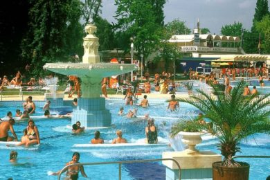 Hamarosan nyitnak a budapesti strandok, itt a menetrend