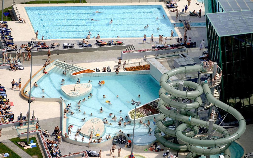 Esztergom Aquasziget fürdő