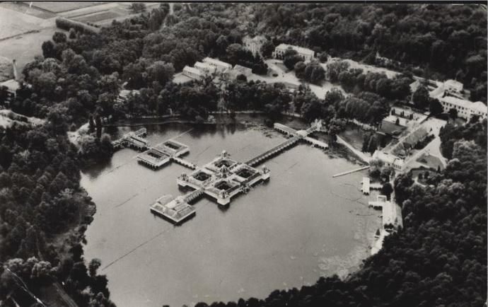 Hévíz régi légifotó