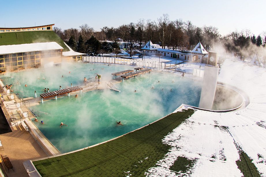 Harkányi Gyógyfürdő télen