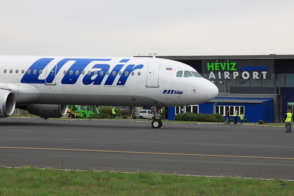 Hévíz Utair repülőgép