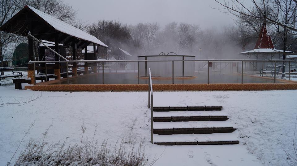 Cserkeszőlő termálfürdő télen