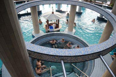 Féláras fürdőakció: ötszörös forgalom Siófokon