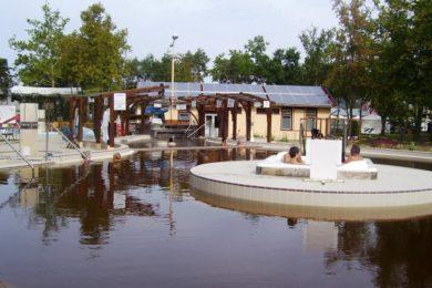 Tíz éve a bezárás fenyegette, most fejlesztik a debreceni fürdőt