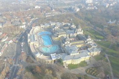 Légi felvétel a Széchenyi Gyógyfürdőről