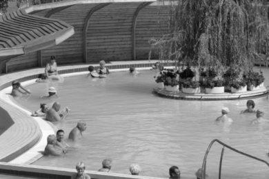 Fürdős programok bográcsozástól a vízipisztolyos csatáig