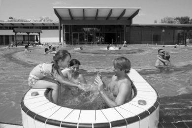 Sör és sztárok a Tisza-parti Gyógy- és Élményfürdőben