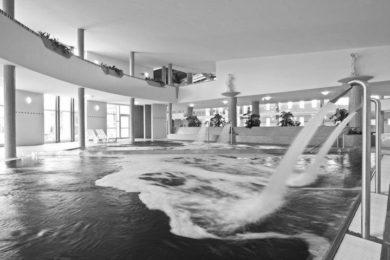 Éjszakai fürdőzések és esti szaunaprogramok a termálfürdőkben