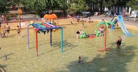 Különleges vízi játékok az Aquaticum Strandfürdőben