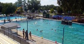 Renitens strandolók - nem irigyeljük az úszómestereket