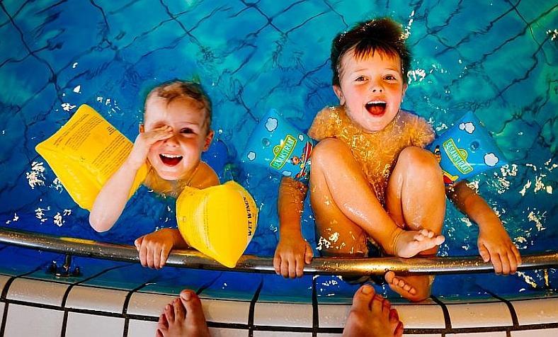 termálfürdő gyerekek