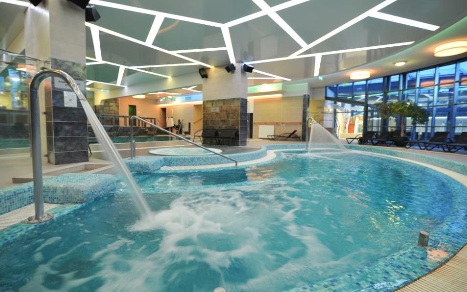 Hotel Eger Park fürdő