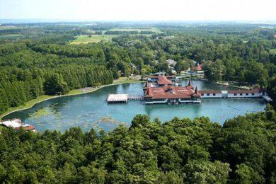Május 29-én a Hévízi-tóból is vízmintát vettek