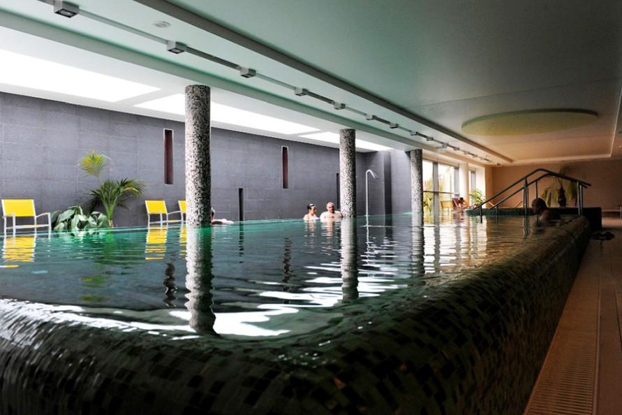 Vizesnyolcas termálfürdő Szentendre