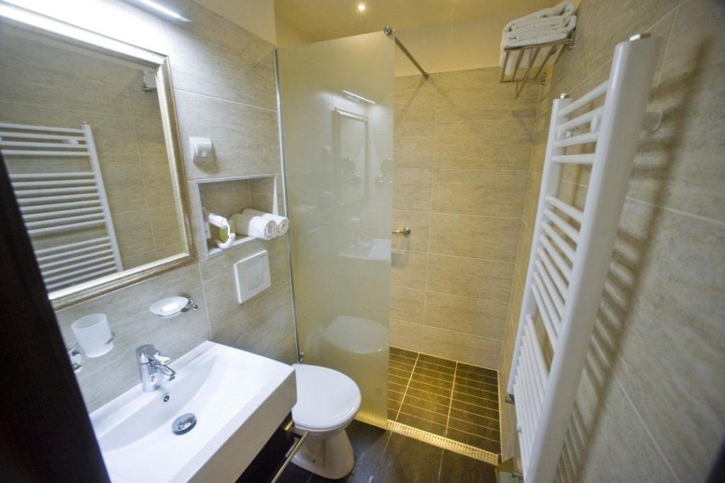 Hotel Délibáb fürdőszoba