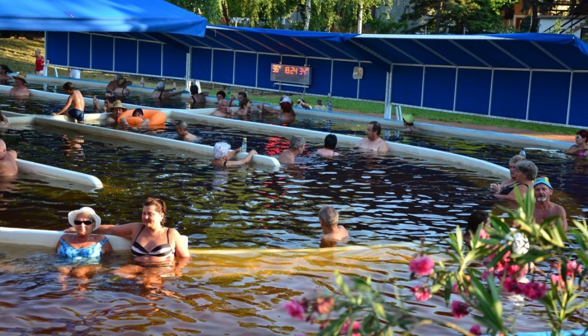 Berekfürdő gyógyvizes medence