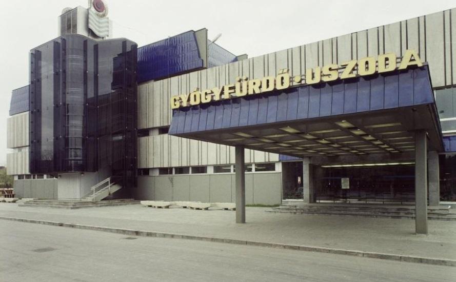 Újpesti fürdő 1974