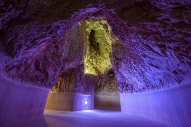 Víz nélkül is jól mutat a Barlangfürdő