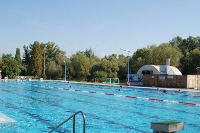 Melegebb termálvíz és medencefelújítás Leányfalun