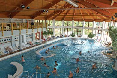 Időjárásálló termálfürdők a hűvösebb nyári napokra