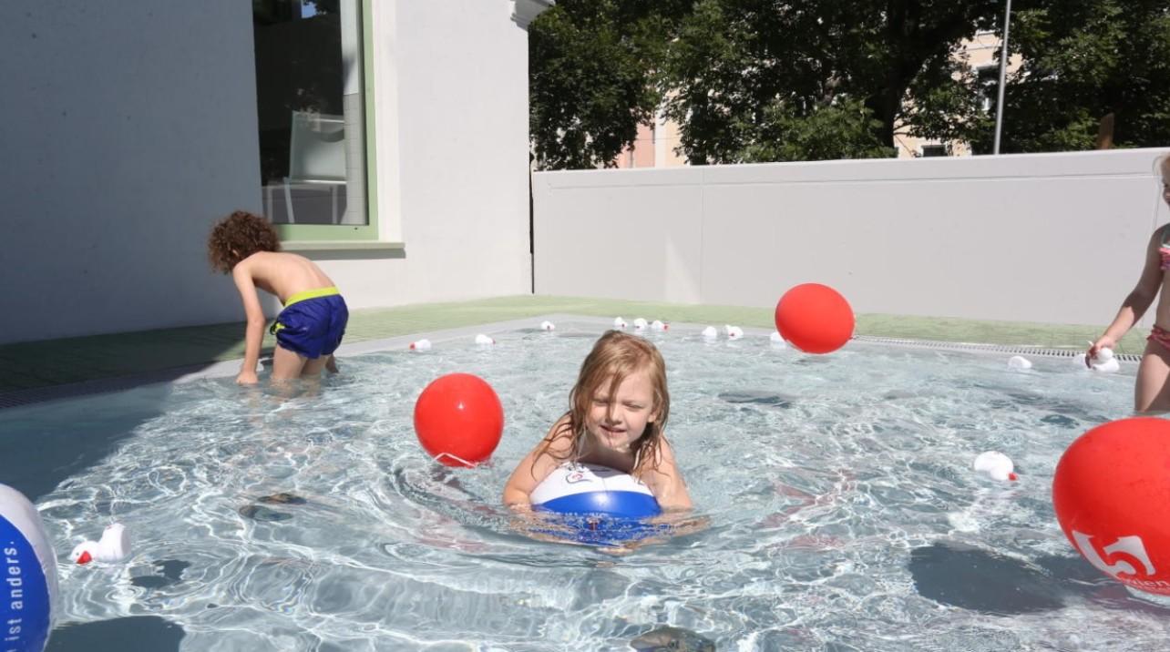 Gyermekélményfürdő Bécs