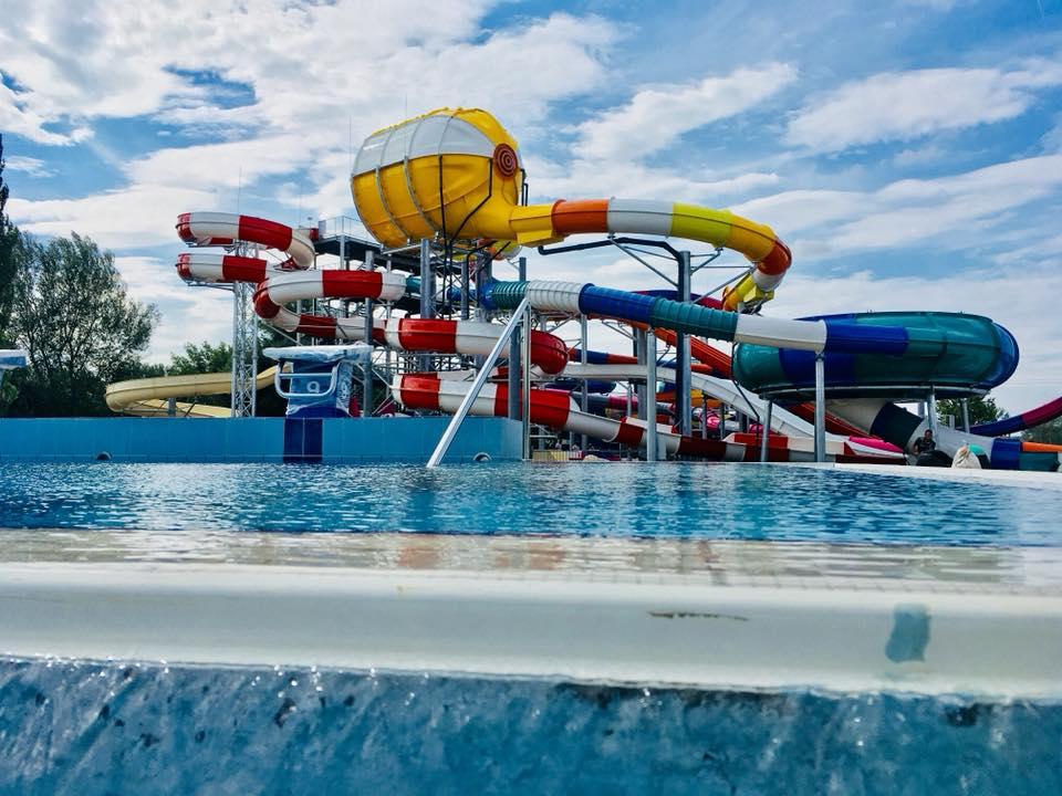 Kisvárda Aquacinema csúszdapark