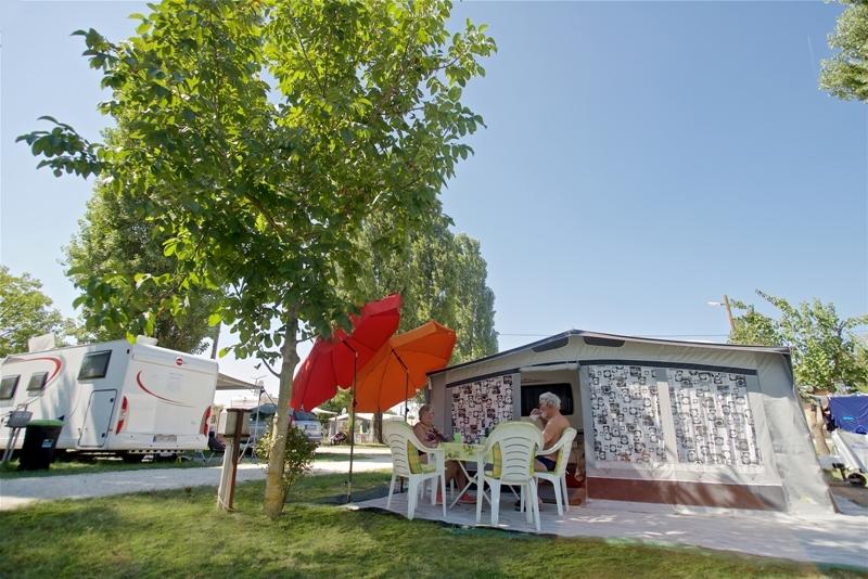 Tiszakécske Thermal Camping