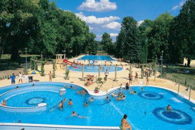 Budapesti fürdőnyitás: első körben a strandok nyitnak