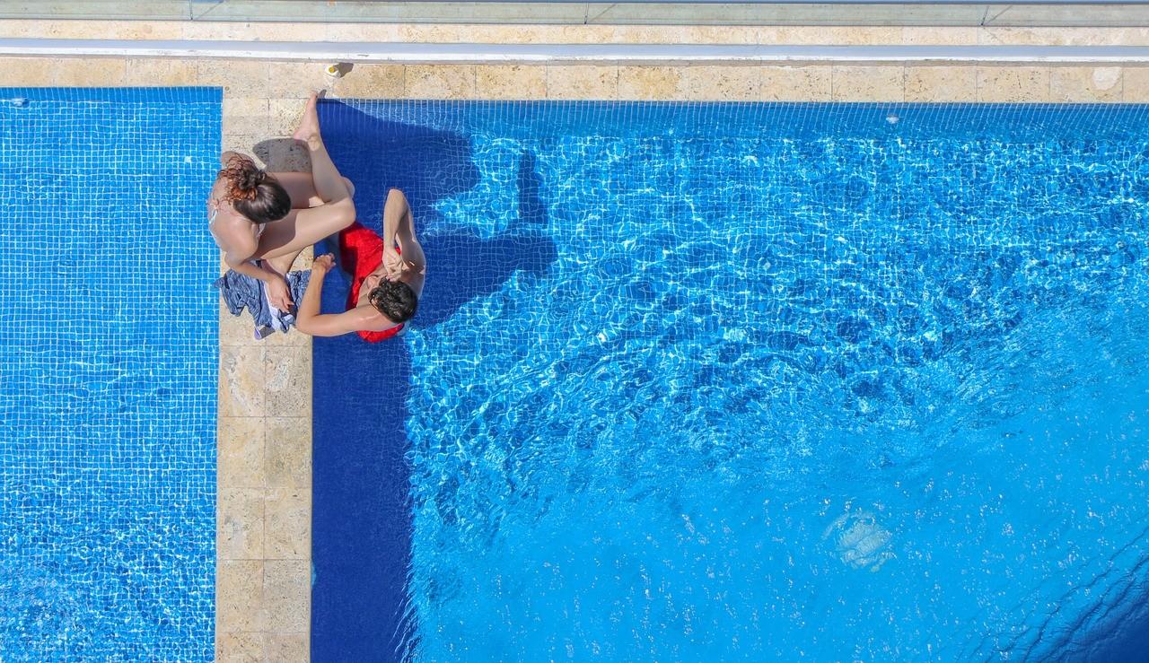 medence élményfürdő