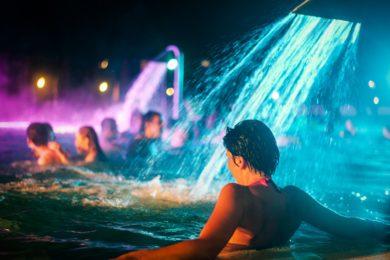 Éjszakai fürdőzésben és szaunaszeánszokban bővelkedik ez a hét