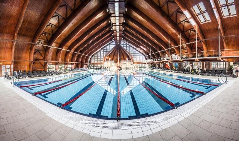 Zsóry Fürdő fedett úszómedence