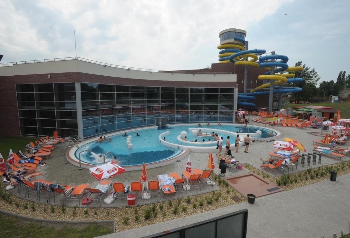 Napfényfürdő Aquapolis nyugdíjaskedvezmény